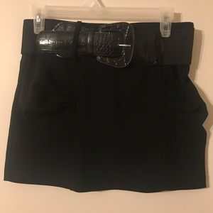Dresses & Skirts - Black mini skirt with removable leather belt